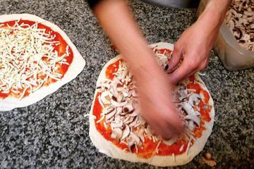 Clase de cocina en Roma: haga su propia pizza