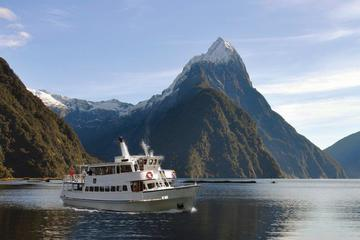 Milford Sound Sightseeing Cruise