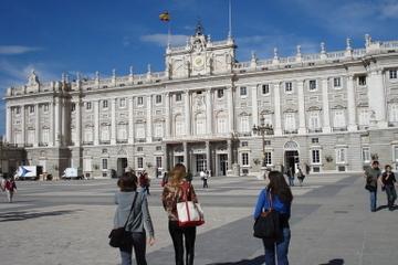 マドリード市内観光と王宮ツアー