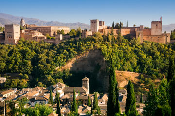 7-tägige Spanien-Tour ab Madrid: Córdoba, Sevilla, Granada und Toledo