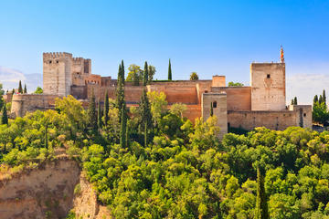 Combitour door Granada: Albaicín en Sacromonte - wandeling en hop-on ...