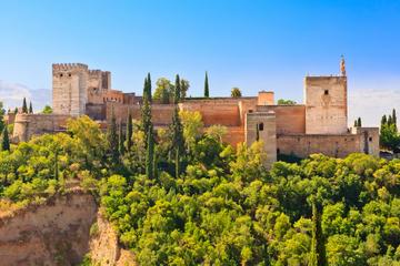 Combo de Granada: tour a pé em Albaicin e Sacromonte e trem panorâmico