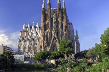 Keine Warteschlangen: Barcelona Sagrada Familia Tour mit einem...