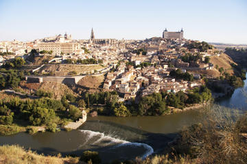 Toledo Small-Group Tour with Wine...