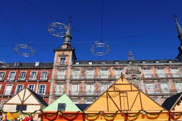 Tour a piedi natalizio di Los Austrias a Madrid: mercato natalizio di