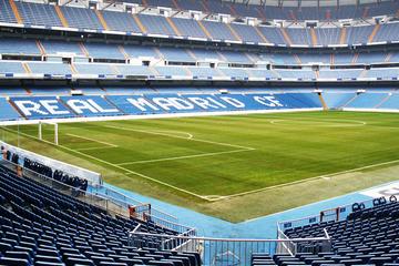 Tour langs de hoogtepunten van Madrid met entree voor stadion ...