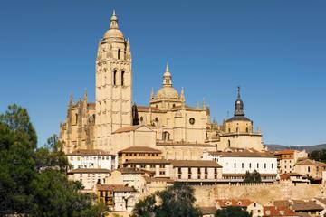Tour per piccoli gruppi a Pedraza e Segovia da Madrid