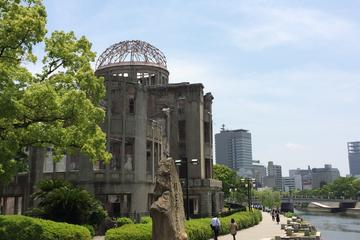 Excursão ao Parque Memorial da Paz de Hiroshima e Ilha Miyajima...