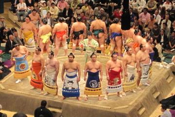 Torneio de luta sumô em Tokyo