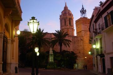 Tour privato di un giorno intero a Sitges e Bodegas Torres