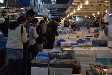 Food Tour of Tsukiji Fish Market