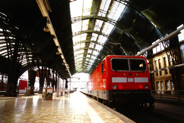 Private Departure Transfer: Hotel to Cologne Train Station