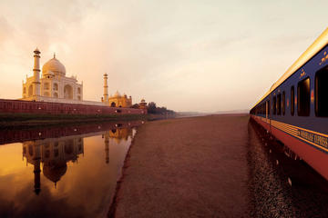 Full Day Trip to Taj Mahal From Delhi by Superfast Train