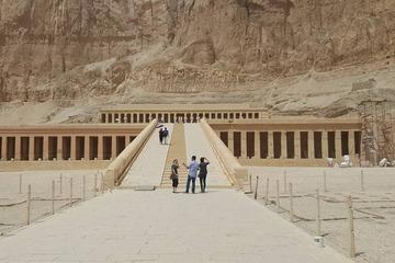 Day Trip to Luxor and Valley of the Kings from Hurghada
