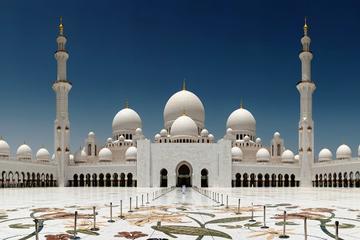 Dagtour Abu Dhabi met bezoek aan Ferrari en vervoer terug naar Dubai