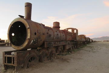 Private visit to the train cemetery from Uyuni