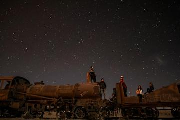 Stargazing Night Tour in Cementery of the Trains from Uyuni