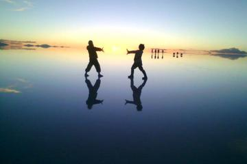 Sunrise at Salar de Uyuni