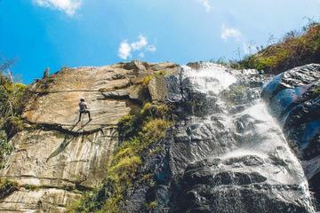 Aventura de senderismo y rápel en las cataratas Huanano desde Lima