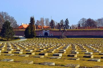 Dagstur till koncentrationslägret Theresienstadt från Prag