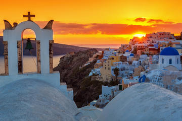 Santorini Cruise with Lunch, Winery and Sunset in Oia Village