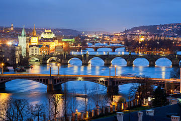 Tour di Praga in autobus con opzioni per giro in battello, museo del