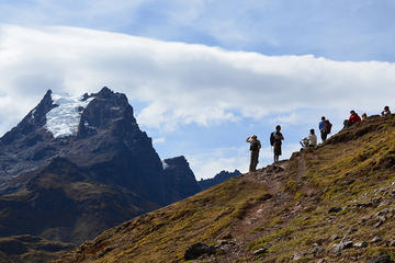 Recorrido de 4 días con caminata en Lares y Machu Picchu