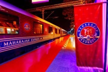 4-Night Luxury Train Tour: Gems of India Golden Triangle Tour Aboard The Maharajas' Express