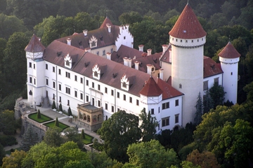 Excursion d'une demi-journée au château de Konopiste au départ de...