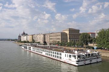 Traslado compartido de Budapest: de los hoteles al muelle de Budapest
