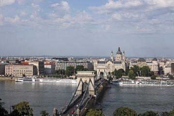 Traslado compartilhado de Budapeste: Píer de Budapeste para os hotéis