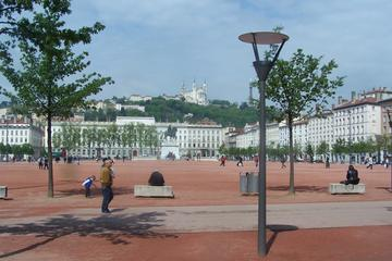2 -Hour Guided Bicycle Tour of Lyon