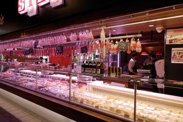 3 Hour Tour of Historical Lyon and Passageways and Tasting Paul Bocuse Markets
