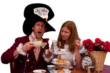 Mad Hatter's Alice In Wonderland Walking Tour in Oxford with Christ...