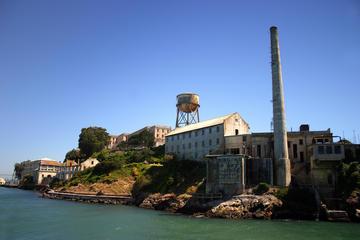 Viator VIP: früher Zugang zu Alcatraz und exklusive Cable Car...