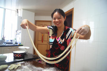 La mian and shaved noodle class