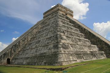 Excursión a las ruinas de Chichén Itzá con visita a la ciudad...