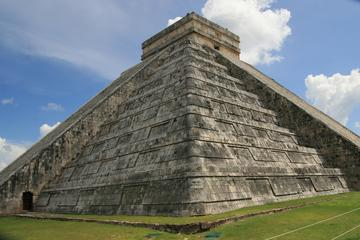 Private Chichen Itzá Ruins Tour with ...
