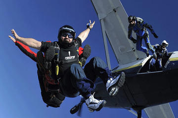Lancio con il paracadute in tandem a