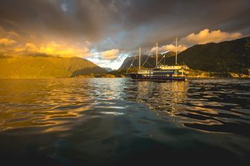 Croisière avec nuitée sur le Milford Sound à bord du Milford Mariner...