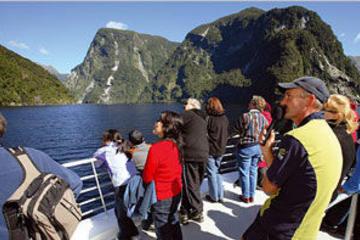 Croisière dans la région sauvage du Doubtful Sound au départ de...