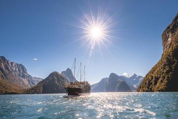 Crucero por la naturaleza de Milford Sound desde Queenstown, Te Anau...