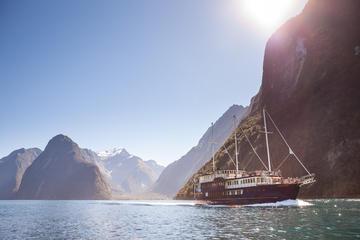 Crucero por la naturaleza de Milford...