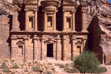 Excursión privada de 4 días a Petra, Wadi Rum y Áqaba desde Ammán
