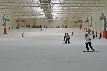 Indoor Skiing or Snowboarding - 4 Hour Lift Pass including Equipment