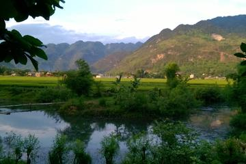 Excursión privada de día completo al valle de Mai Chau desde Hanoi