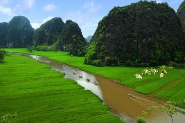 Recorrido privado de un día en Tam Coc y Hoa Lu