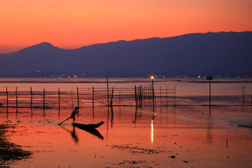 2-Hour Sunset on Inle Lake