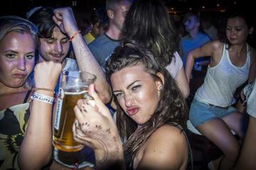 Recorrido por los pubs mochileros de Berlín en Friedrichshain