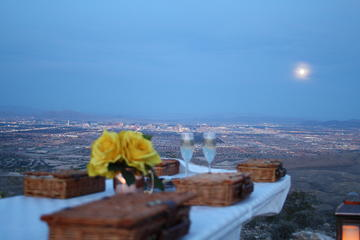 Red Rock Canyon Helicopter Tour and Picnic from Las Vegas